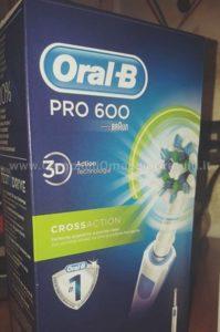 spazzolino-elettrico-Oral-B-Pro-600-ricevuto